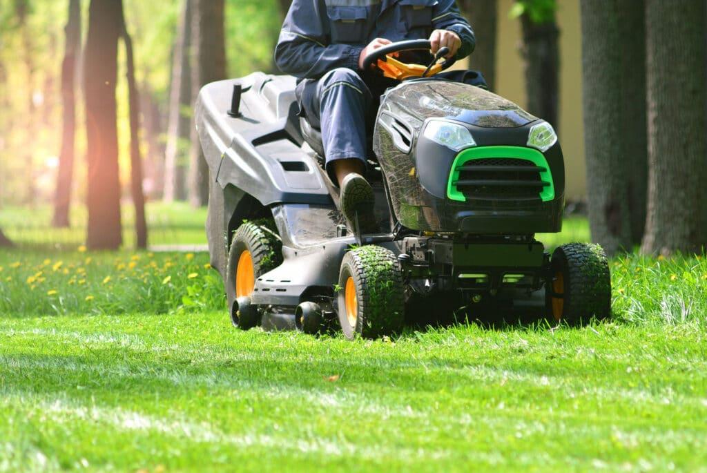 grounds maintenance grass cutting